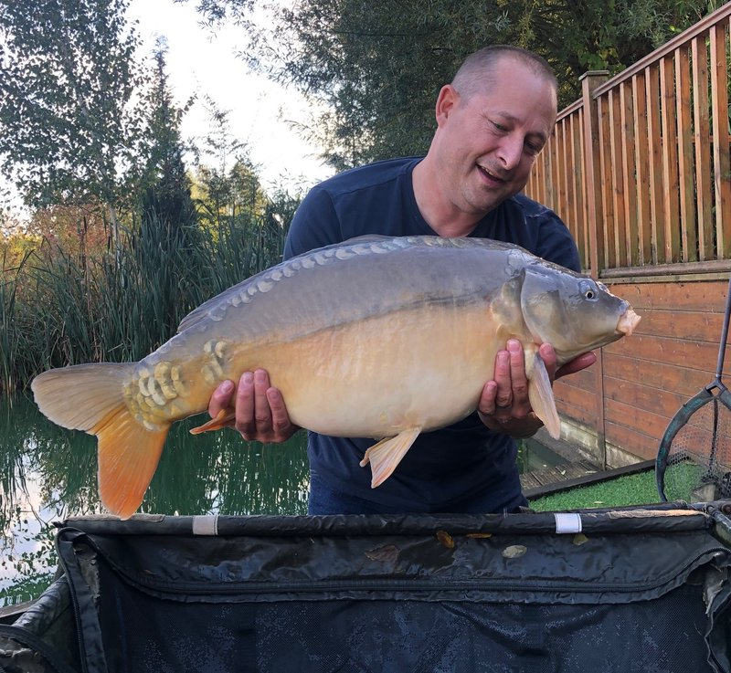 Peter Chappel with a Mirror of 22-05. The Chappell's biggest of the week to date.