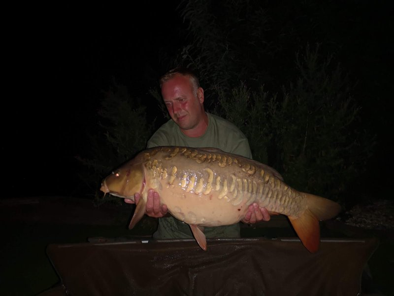 Stuart Crafer with a 26-08 Mirror. Most of the Carp caught this week was at night!