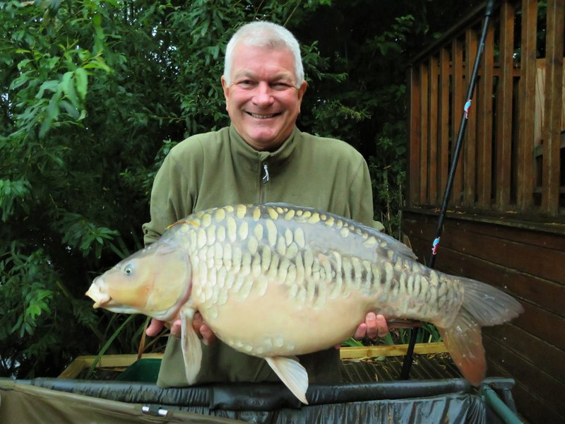 Leigh-Ann campion beat her previous PB, with this 27lb Mirror from Cherry Mere