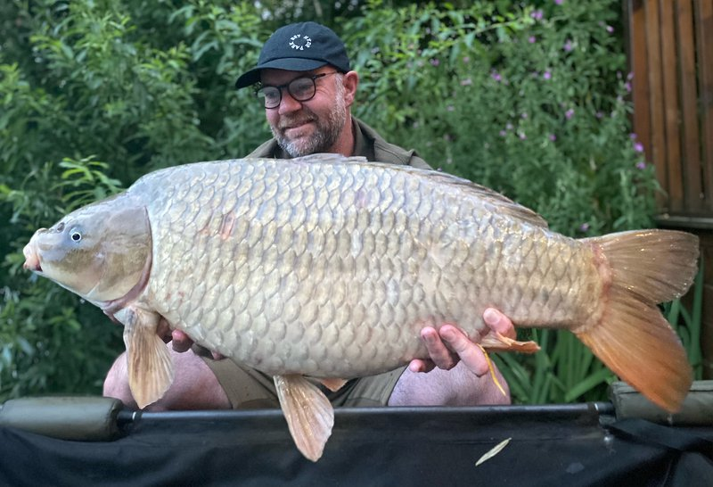 Graham Barker with a 28-08 Cherry Springs Mirror