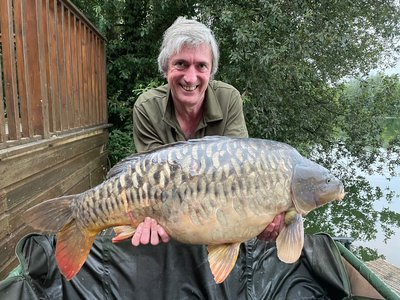Andy Watts with a stunning Fully Scaled Mirror of 32-08