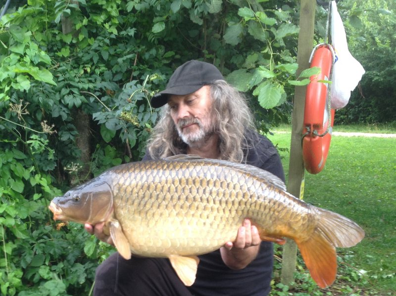 Paul Mitchell with a 32-04 Common from the Cottage swim. The second of three thirties!