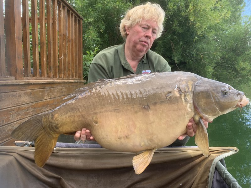 An impressive 35lb Mirror. the first of two in an afternoon from Osprey Lodge