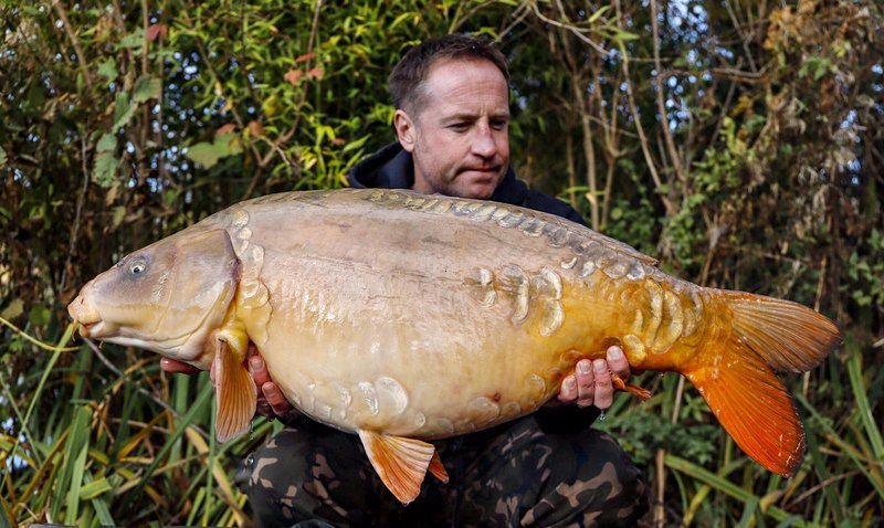 Leon Sprague showed his class with this stunning Ghost Mirror of 35-13