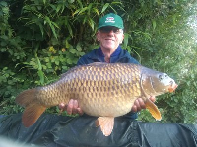 Malcolm Williams with a 22lb Cherry Pool Common