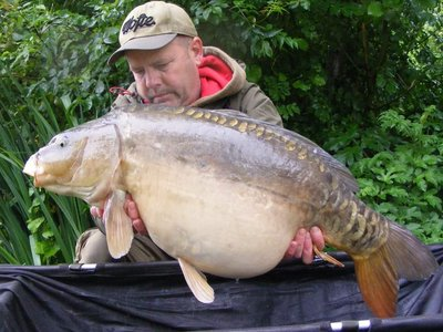 Mike Houghton with the fourth 30+ of his trip. A 31-04 Mirror