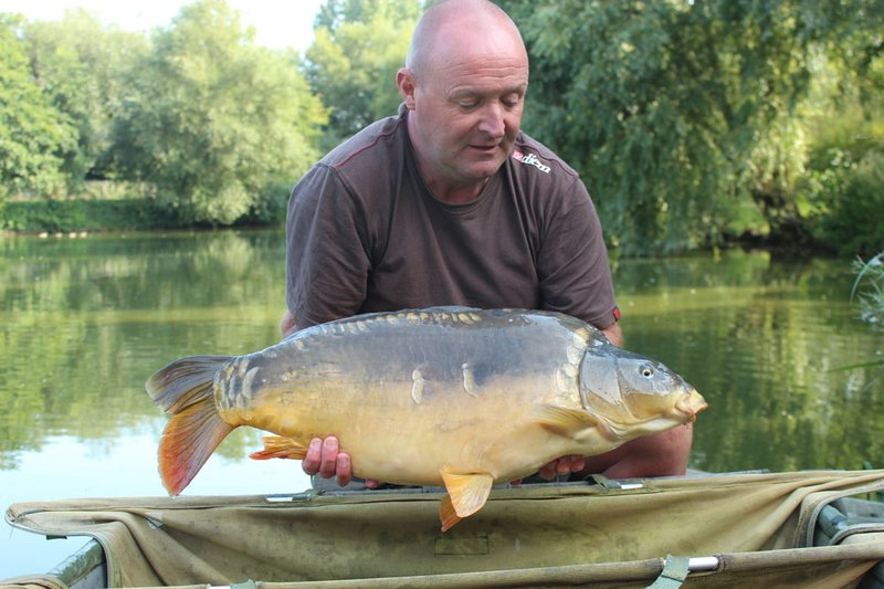 Brian Hamilton with an impressive Cherry Springs Mirror of 25-04 caught from Kingfisher Lodge