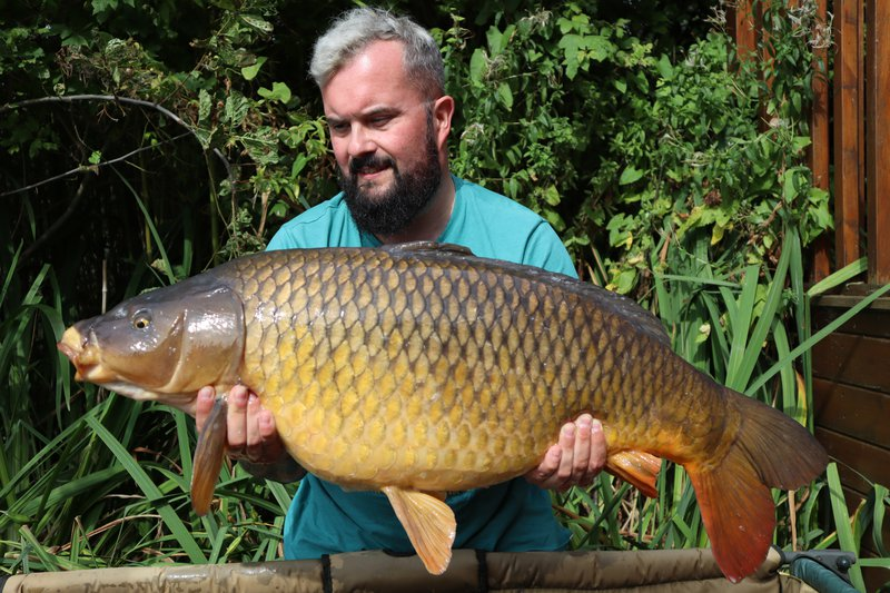James Carter with his biggest of a fab trip. A Common of 32-08