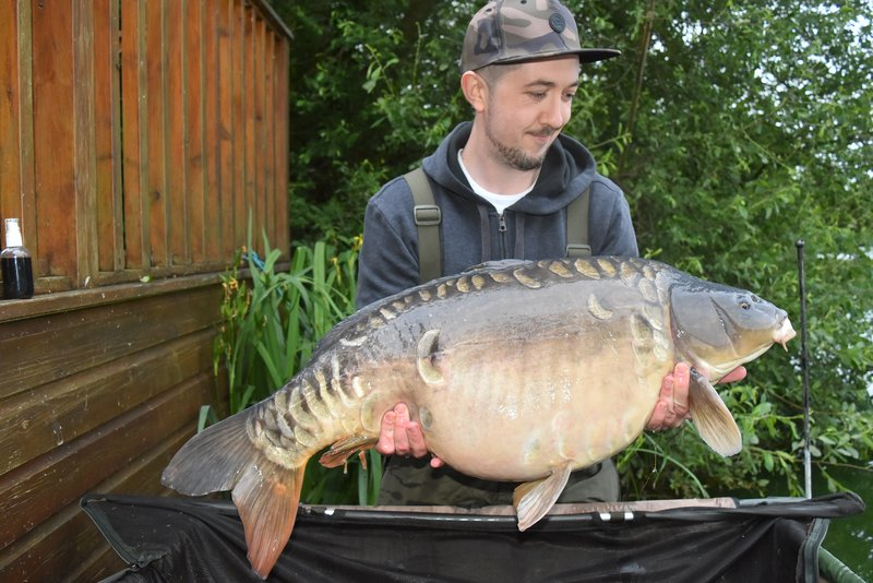 Stephen Martin with a 34-01 Mirror. A new 30+ for Cherry Lake and the 18th of the year to date!