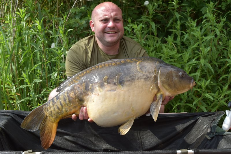 Jamie Vowles with his second thirty, a 30-02 Mirror, from Heron Lodge on Cherry Lake