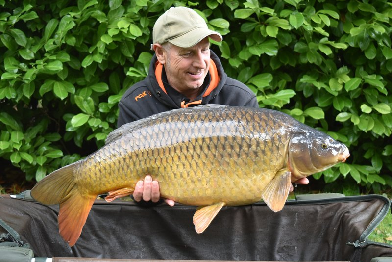 Dave Martin with a 32-04 Common from Cherry Lake Cottage. A good first visit!