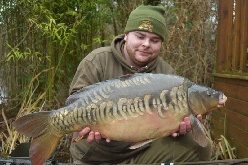 Ryan Young with the second of his quick brace of twenties. A very pretty Mirror of 21-02