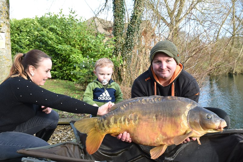 The Goode's with a 32-04 Mirror caught whilst staying in Cherry Lake Cottage
