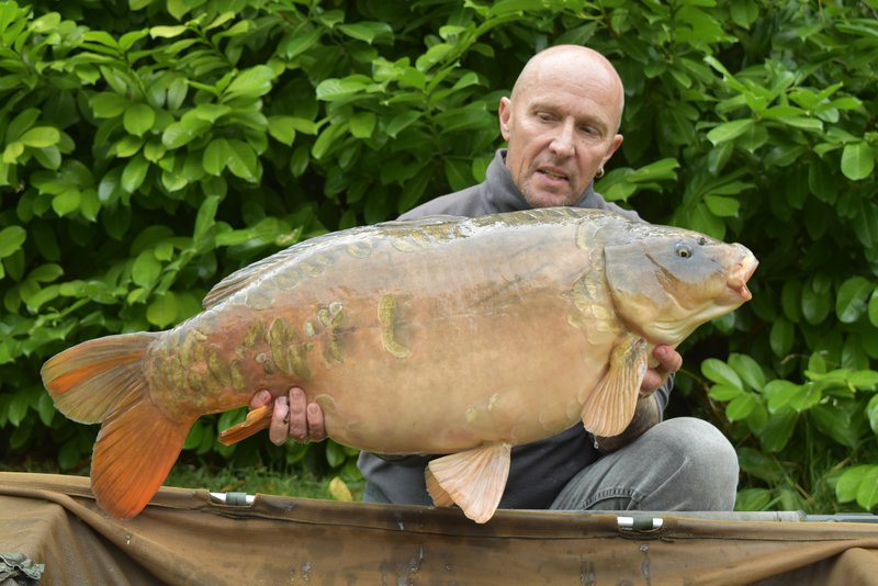 Ron Tanner with his new PB. A 36-06 Ghost Mirror