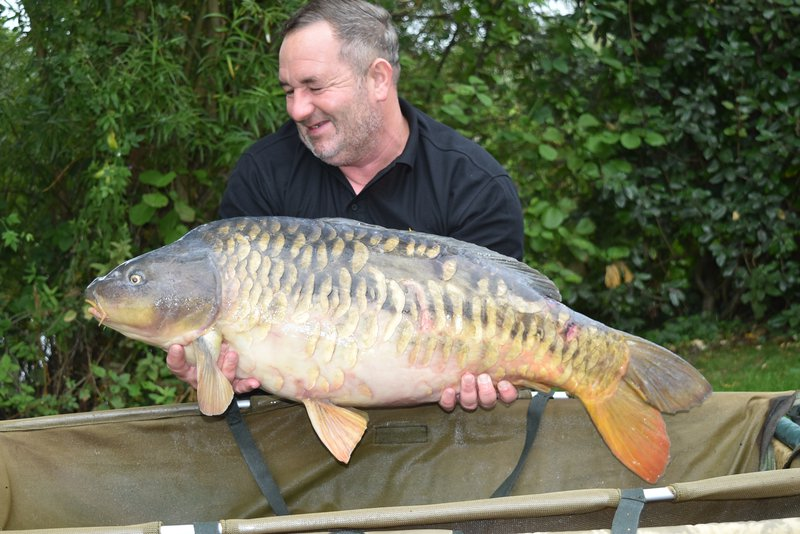 Lee Smith with a second new 30 for Cherry Lake this week. A Mirror of 32-08
