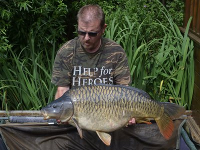 Neil Ash with a fantastic Fully Scaled Mirror of 29-10