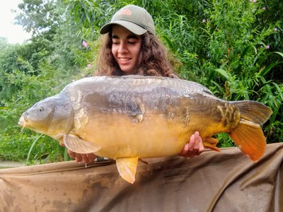 Hannah with her new PB, a 24-06 Mirror from Kingfisher Lodge