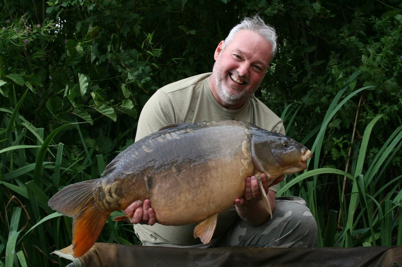 Lee Capper with a two-tone Cherry Lake Mirror of 29-07