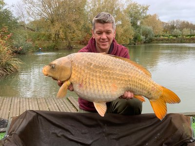 Ian Blackwell with a stunning 26-08 Ghost Common from Cherry Mere