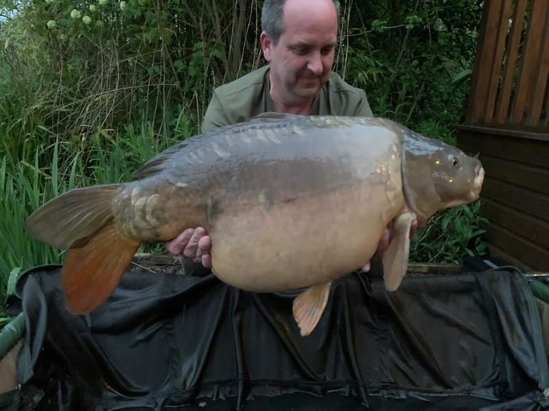 Andrew Durrant with his new PB, a 36-04 Mirror from Heron Lodge