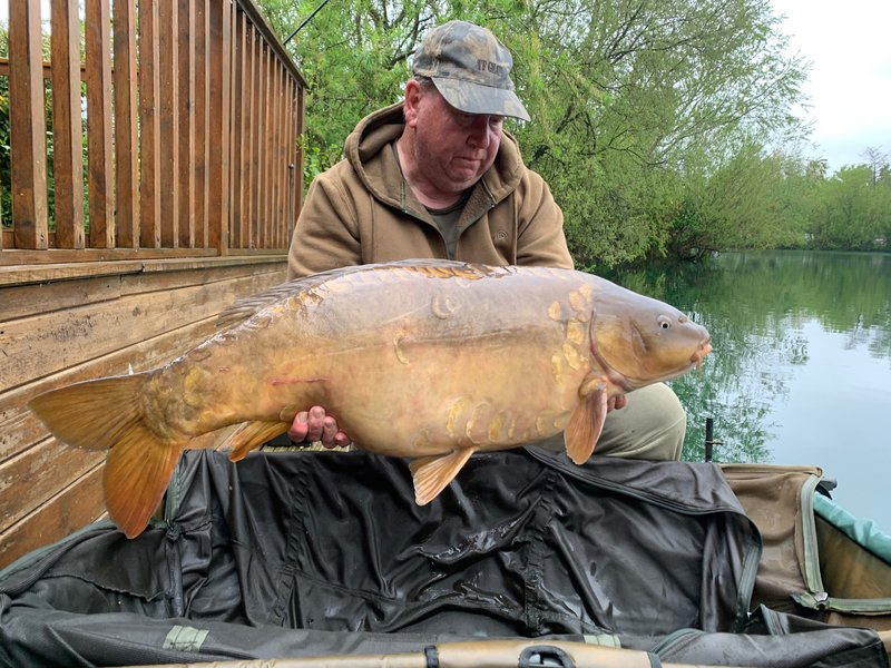 Gary Hutchins with 'Ruby' at 41-04