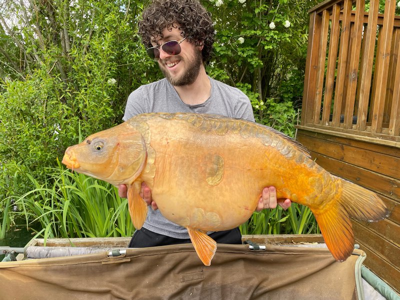 Luke Michell with his new PB, a Ghost Mirror of 31-08 from Grebe Lodge