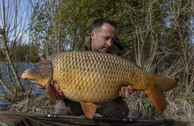 Leon Sprague with a fantastic 32-13 Ghost Common from Osprey Lodge on Cherry Lake.jpg