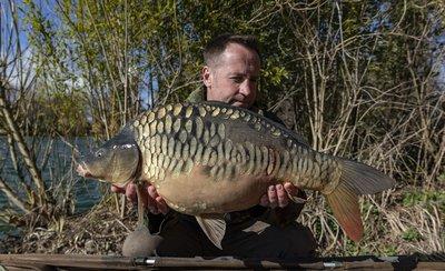 Leon Sprague with an impressive Cherry Lake Mirror of 21lb