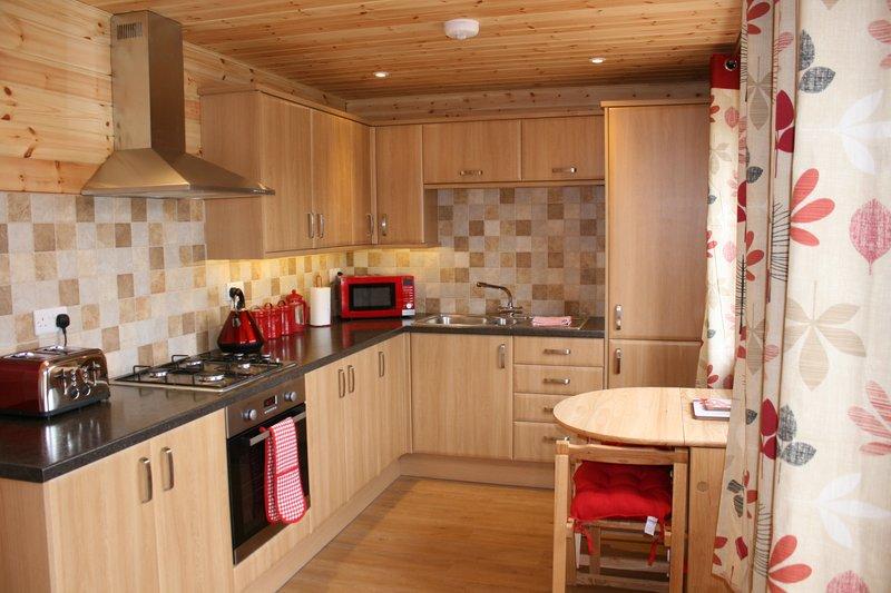 Lodge kitchen.JPG