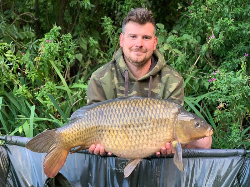 Michael Lynch with a 25lb+ Common from Grebe Lodge on Cherry Lake