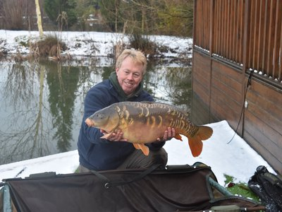 My first 'Snow Carp'-the weight is irrelevant but it weighed 22-08.JPG