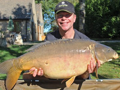 Neil Carey was delighted with this 33-08 Mirror on his first visit to Cherry Lake
