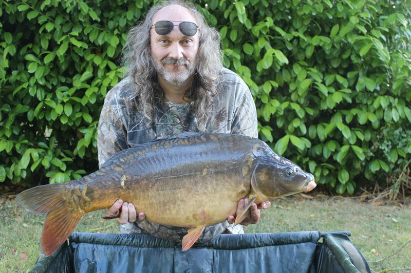 Paul Mitchell equalled his Cherry Lake PB with this 31-04 Mirror from the Cherry Lake Cottage swim.