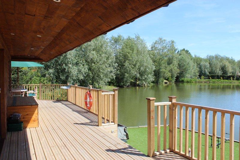 Pochard Deck