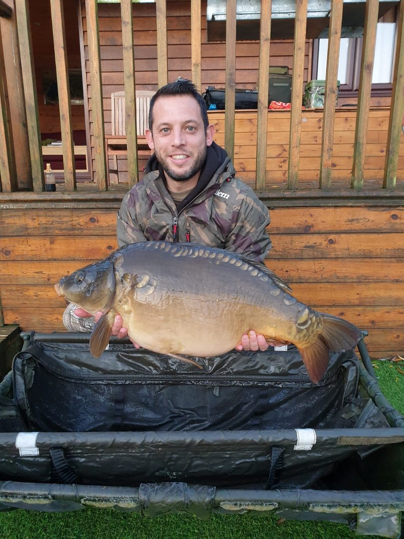 Steve Jarman with a 26lb Mirror carp from Pochard Lodge