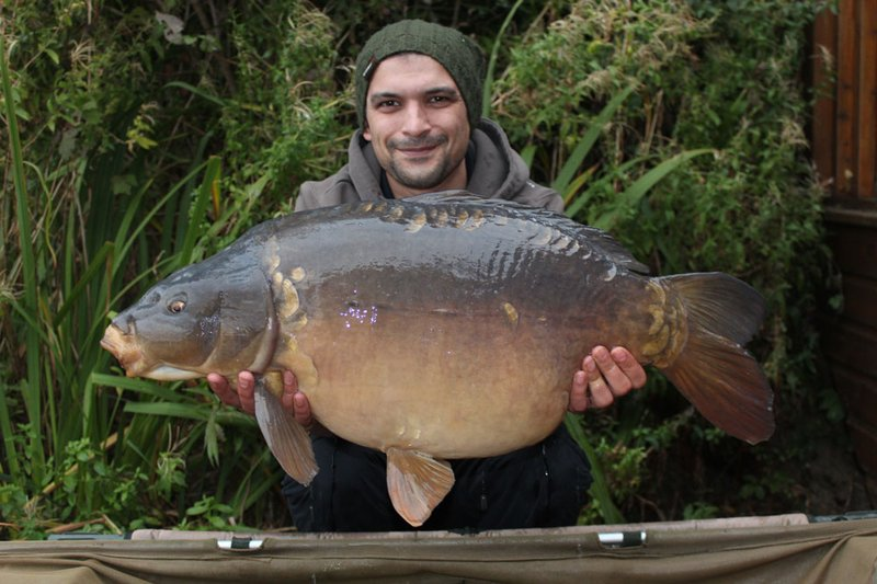 Steve Shepherd with the second of his morning brace. a Cherry Lake Mirror of 31-04