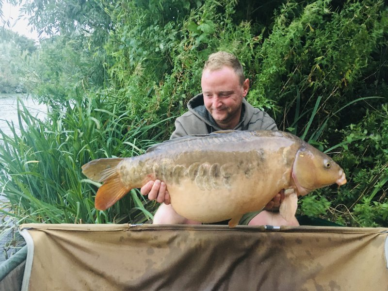 Tom Hillary with his first Cherry Lake thirty. A 31-02 Mirror from Heron Lodge