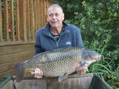 John Carrington with his UK PB. 'The Patch' at 41-08 from Heron Lodge